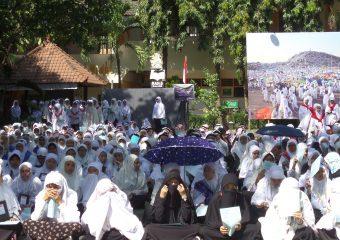 Manasik Haji yang dilakukan siswa secara rutin setiap bulan Dhulhijah
